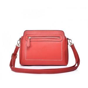 kabelka-intrigue-amy-cervena.jpg