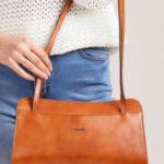 Malá kabelka z velbloudí kůže