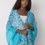 Modrý šátek s barevnými pruhy