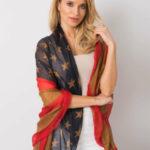 Červený a hnědý šátek s potiskem