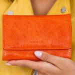 Oranžová dámská peněženka z ekologické kůže