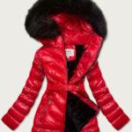 Červená lesklá zimní bunda s mechovitým kožíškem (W673)