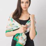 Bílý a zelený šátek s barevným potiskem
