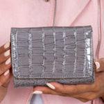 Dámská šedá peněženka s motivem krokodýlí kůže