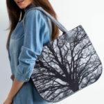 Šedá plstěná taška s potiskem stromu