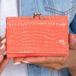 Lososová peněženka s ráměčkovým zapínáním