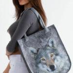 Šedá plstěná taška s motivem vlka