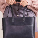 Šedá kožená nákupní taška