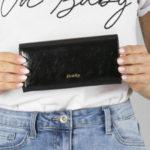Černá podlouhlá kožená peněženka