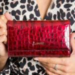 Peněženka ve zvířecích červených vzorech 64003 – FPrice