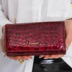 Dámská červená peněženka se zvířecím motivem 76110 – FPrice