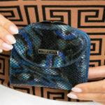 Dámská modrá kožená peněženka s klopou