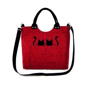 filcova-kabelka-cats-on-red.jpg