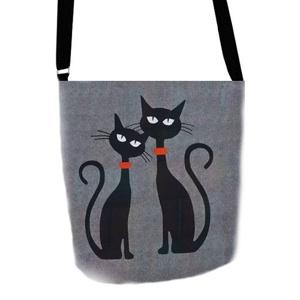 filcova-taska-pres-rameno-cats-in-love.jpg